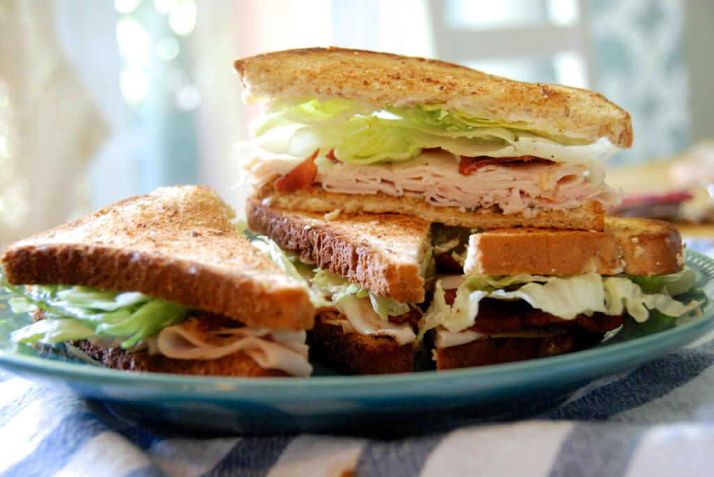 Pesto Turkey Club