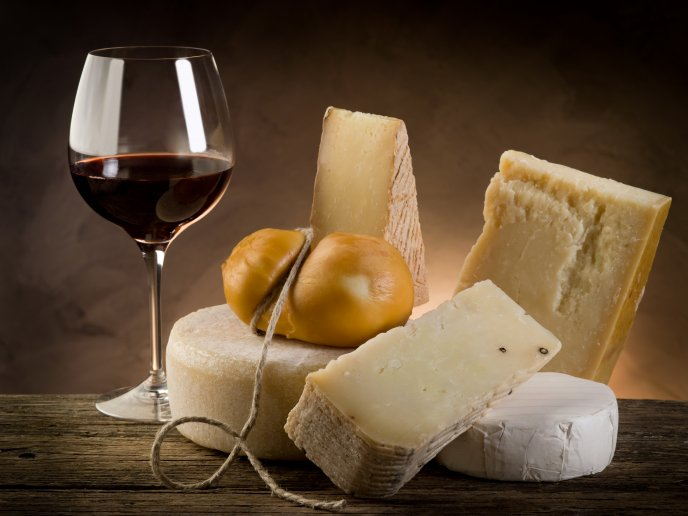 4684_Different-type-of-cheese-and-a-glass-of-red-wine